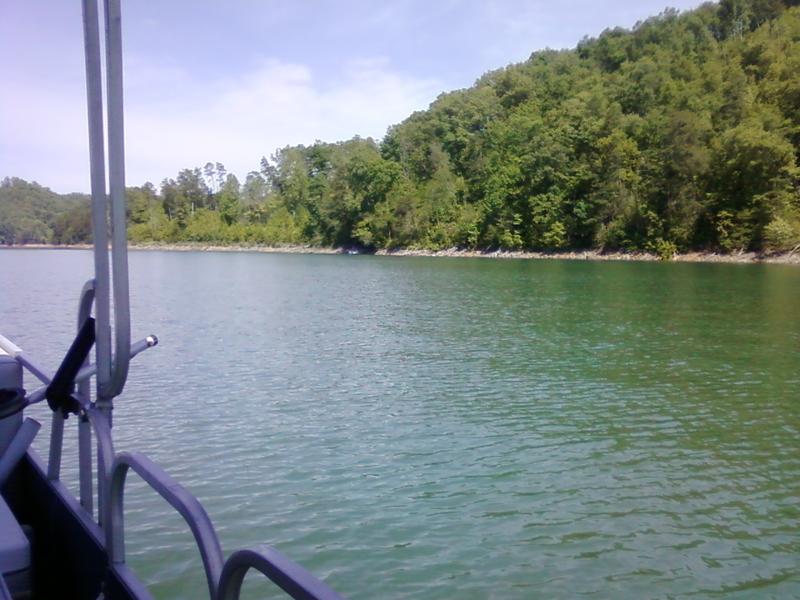 Fontana lake nc fishing reports map hot spots for Fontana lake fishing
