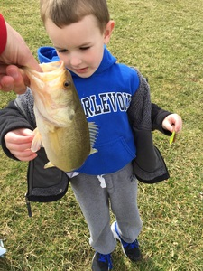 Large mouth bass caught by Ricard turner